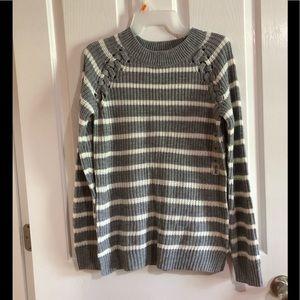 NWT SO soft sweater MEDIUM juniors